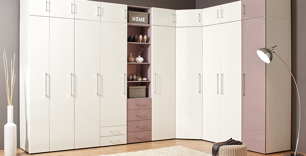 begehbaren kleiderschrank planen mit schrank und regalsystemen m max. Black Bedroom Furniture Sets. Home Design Ideas