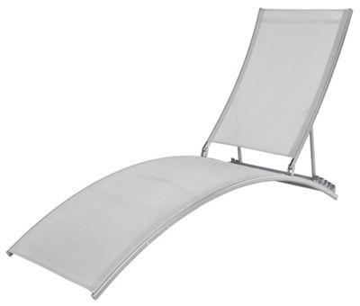 gartenliege kunststoff cheap sonnenliege trine hellgrau. Black Bedroom Furniture Sets. Home Design Ideas