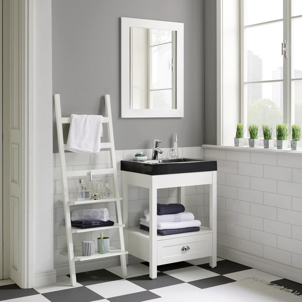 Vorschaubild von Badezimmer Newport in Weiß inkl. Regal